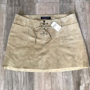 Abercrombie & Fitch Sz 0, NWT 100% Leather skirt